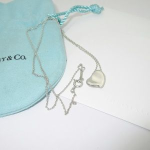Jewelry - Rare Tiffany & Co Peretti Silver Heart Necklace